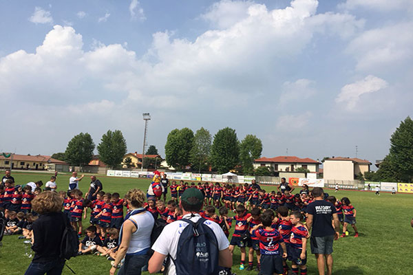 Rugby Parabiago e JetPark insieme al Trofeo del